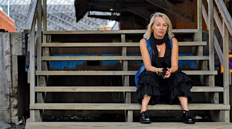 Louise Hoffsten – 16 februari